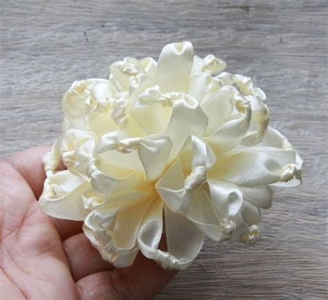 Handmade Ribbon Flower Tutorial - fabric flower tutorial knotted chrysanthemum ribbon