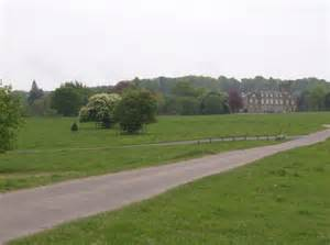 melbury square approaching melbury house 169 graham horn geograph britain and ireland