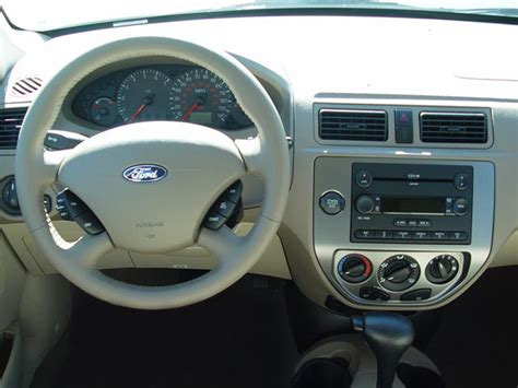 ford focus 2005 dashboard 2005 ford focus reviews and rating motor trend