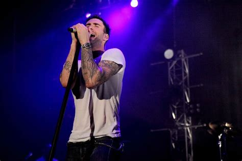 maroon 5 live maroon 5 live in singapore popculture online