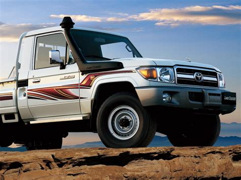 land cruiser 70 pickup 2011 toyota land cruiser 70 conceptcarz com