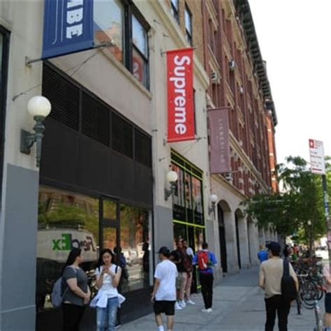supreme clothing store supreme shoe shops soho new york ny united states