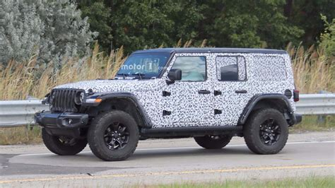 2018 jeep wrangler rubicon 2018 jeep wrangler rubicon spied with virtually no camo