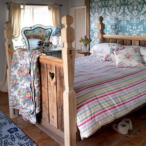 rustic country bedroom ideas create a rustic bedroom retreat cosy country bedrooms