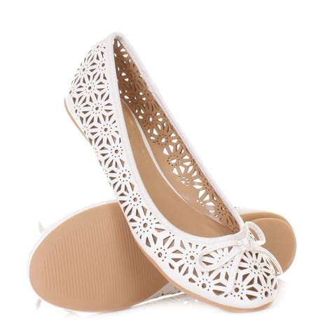 Moda Mio Gold Shoes New With Box womens leather style laser cut flat ballerina pumps shoes