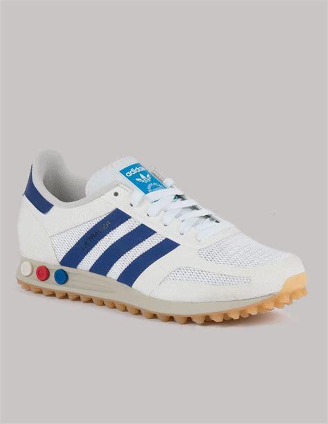 D Island Shoes 183 Sport Sneakers Original adidas originals vintage white la trainers menswear