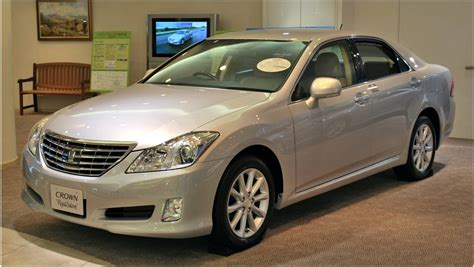 toyota crown japanese rides toyota crown majesta electric cars and