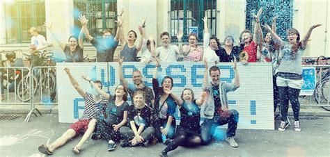 Water Viva viva con agua water heroes ben jerry s