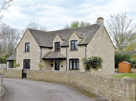 bourton on the water cottage harley cottage in bourton on the water selfcatering travel