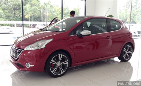 Peugeot 208 Gti On Display In Blue Box Glenmarie Image 201403