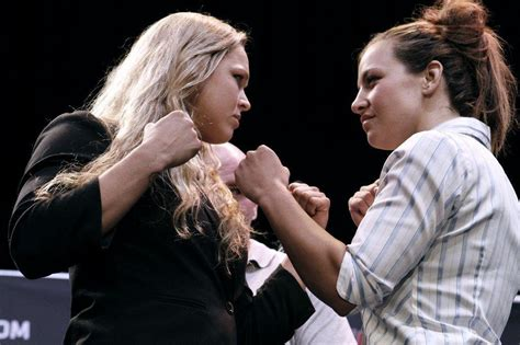 anderson silva bench press ronda rousey ufc 168 submission