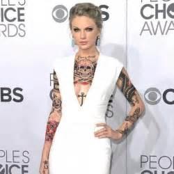 kylie jenner taylor swift tattoo demi lovato 5 seconds