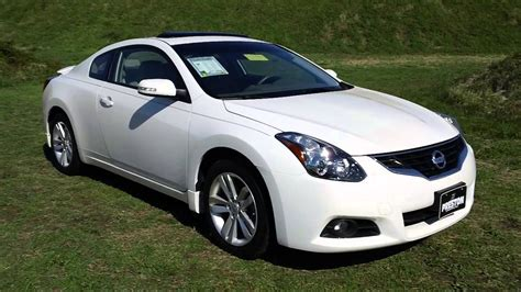 nissan altima coupe    cars  sale