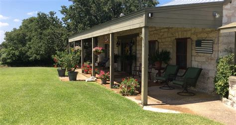 fredericksburg tx bed and breakfasts chuckwagon inn fredericksburg tx bed breakfast
