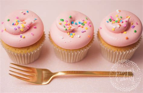 Why Do Cupcakes Sink In The Middle 6 common cupcake problems and how to fix them