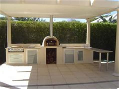 outdoor kitchen ideas australia 1000 images about outdoor pizza oven courtyard ideas on