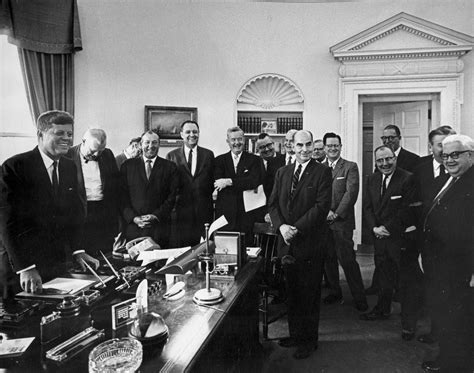 jfk to authority ar6685 a president f kennedy meets with