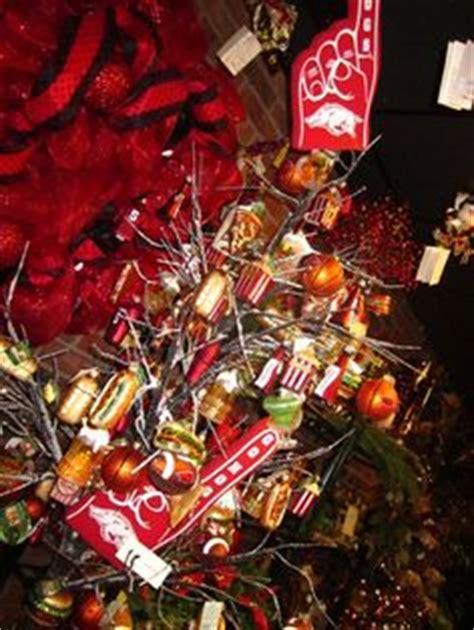 hot uc themes 1000 images about sports holiday decorations on pinterest