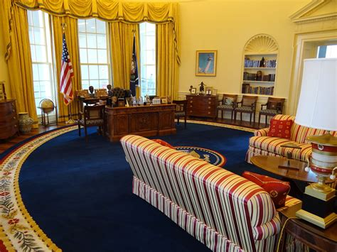 bill clinton oval office decor oval office wallpaper oval office wallpaper 28 images in