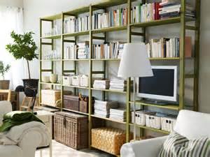regalsysteme wohnzimmer gr 252 nes regalsystem im wohnzimmer roomido