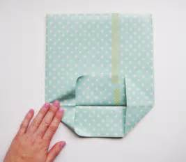 How To Make A Gift Bag Out Of Wrapping Paper - hello sandwich paper gift bag tutorial