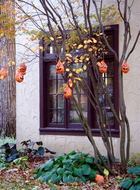 24 indoor outdoor tree halloween decorations ideas