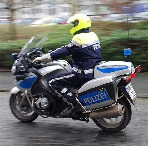 Motorradbekleidung ändern Bayern by Motorradpolizisten Testen Neue Bekleidung Feuerwehr Magazin