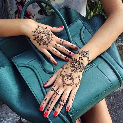 tattoo mandala finger 18 small henna tattoos that look really cute styleoholic