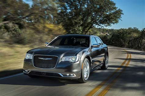 Chrysler 300 Motor by 2017 Chrysler 300 Reviews And Rating Motor Trend