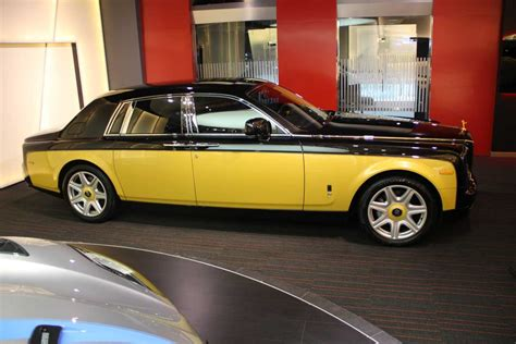 yellow rolls royce wraith bespoke baniyas gold baniyas black phantom is unique