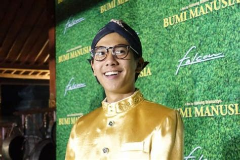 paulo avelino to star in film adaptation of nick joaquin s iqbaal ramadhan to star in bumi manusia film adaptation