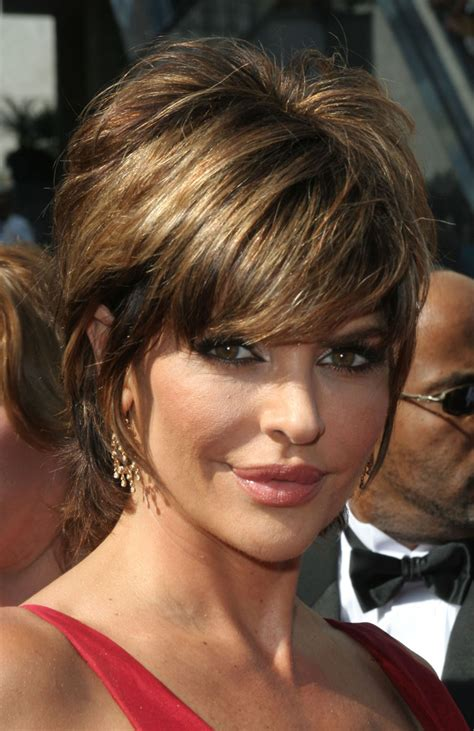 does lisa rinna have fine hair lisa rinna short shag hairstyle