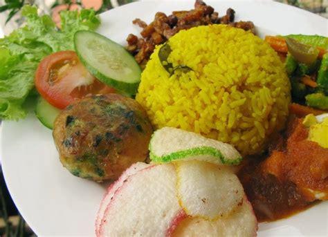 resep membuat nasi kuning yang mudah resep membuat nasi kuning lezat resep membuat nasi kuning
