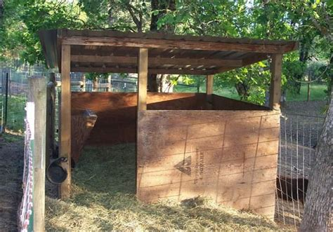 Building Small Barns Sheds Shelters What Makes A Suitable Goat Housing Farmcradle Tm