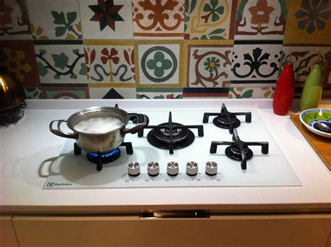 piastrelle per piano cottura piastrelle piano cottura stunning cose per la cucina con