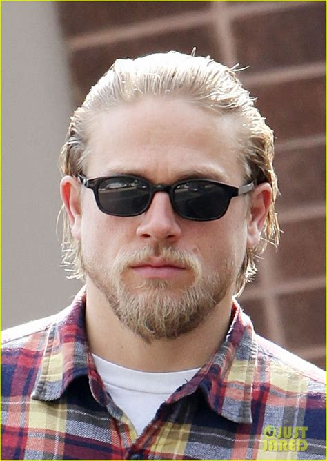 how does jaxx from soa style his hair charlie hunnam post office stop photo 2761957 charlie