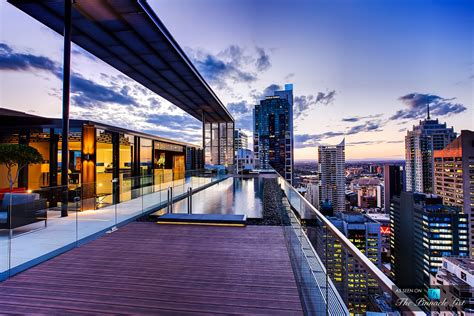 Appartment Sydney by The Privileged View Of The Luxury Hyde Apartment Building