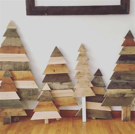 xmas pallet decor 25 unique pallet decorations ideas on pinterest pallet