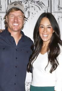 Joanna Gaines Without Makeup hgtv pastor respond to fixer upper same sex marriage