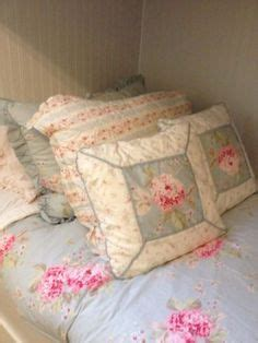 simply shabby chic cozy blanket simply shabby chic 174 cozy blanket homes