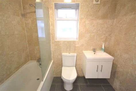 2 bedroom house for rent in reading 2 bedroom semi detached house to rent in whitley wood road reading rg2