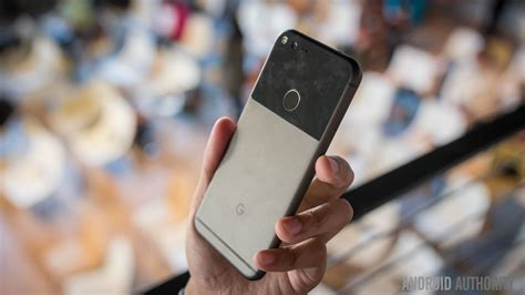 hands on with pixel the most googley android phone ever greenbot google pixel and pixel xl see huge discounts at verizon