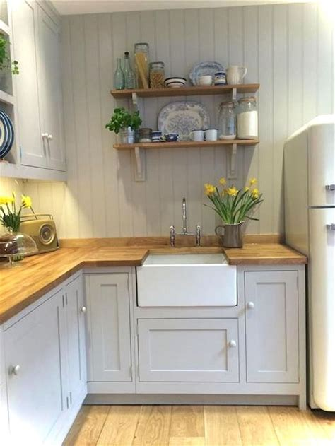cottage style kitchen ideas best 25 cottage kitchens ideas on white cottage kitchens country kitchens and