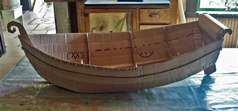 i m on a boat year step by step on how to make a cool boat from cardboard