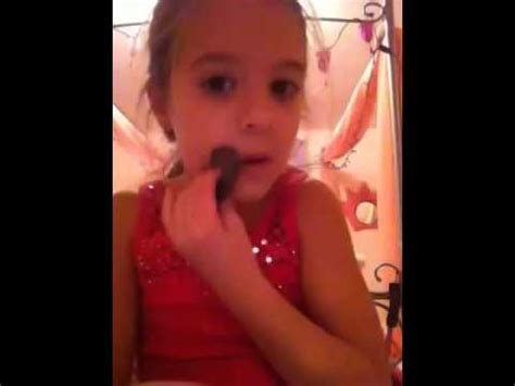makeup tutorial mackenzie ziegler mackenzie ziegler doing a makeup tutorial cute youtube