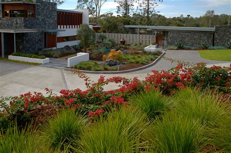 Home Courtyards Brookfield Contemporary Landscaping Boss Gardenscapes