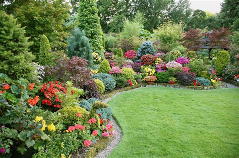 Best Flowers For Garden Lawn Garden Tantalizing Images For Gt Flower Beds Ideas Small With Best Flowers In A 2017