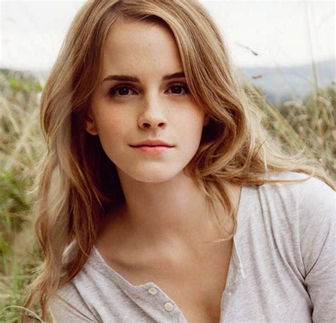 Emma Watson Hairstyles   New Natural Hairstyles