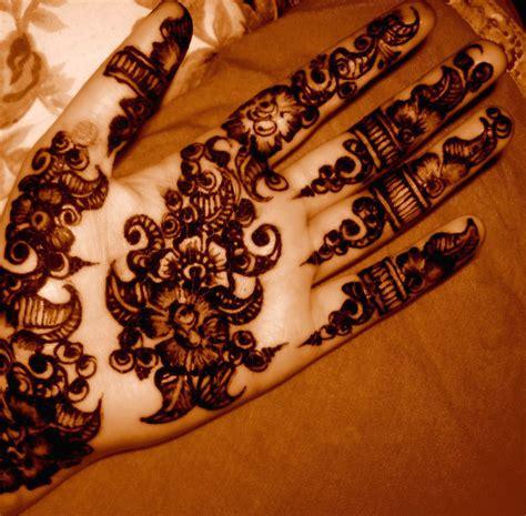 arabic henna design latest 30 awasome arabic mehandi designs images latest mehandi