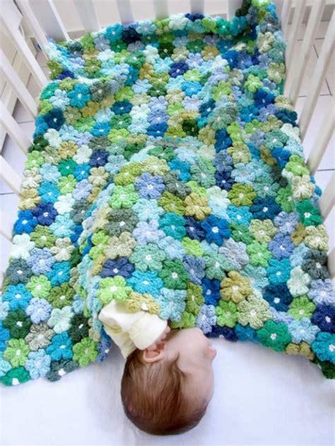 Flower Pattern Crochet Blanket | crochet puff flower blanket free pattern the whoot